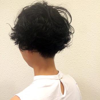 パーマショートヘア